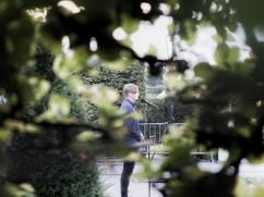 Florian Wintels im Garten...